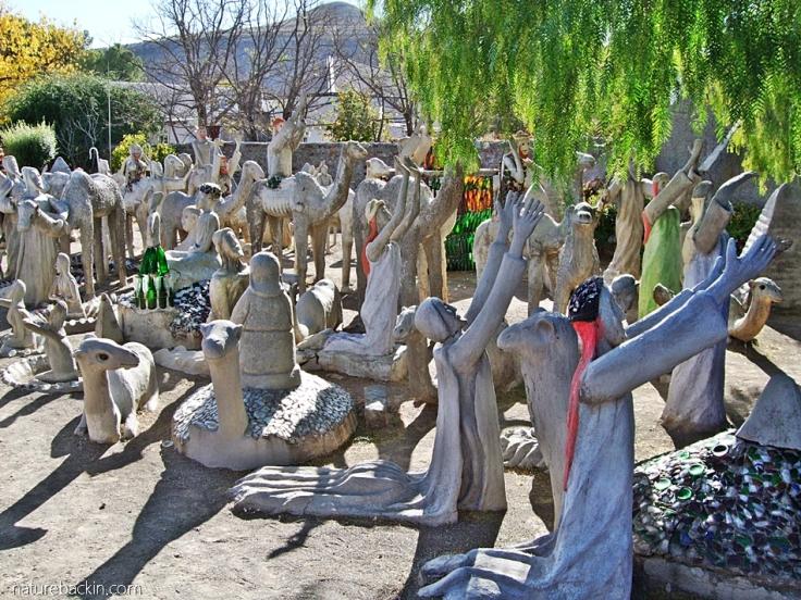 Devotional figures kneeling, Camel Yard, Owl House, Nieu Bethesda