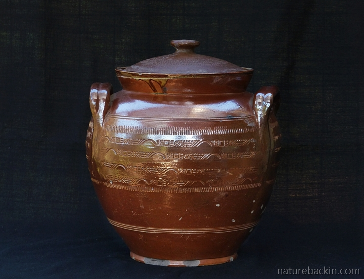 Kitchenalia-stoneware-bean-pot